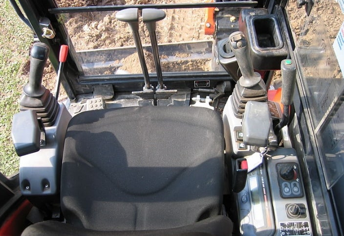 How to use a mini excavator