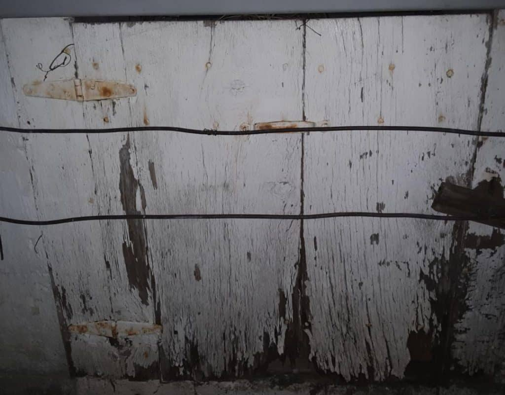 What kind of wire should you use in a crawl space?
