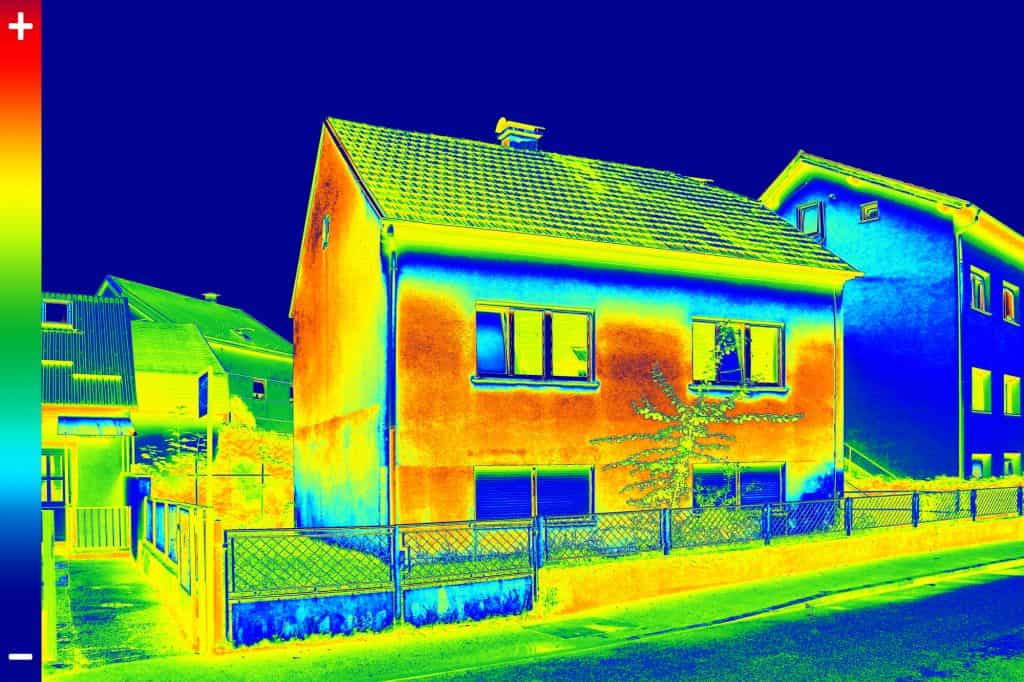 Thermal imaging of the outside of a house